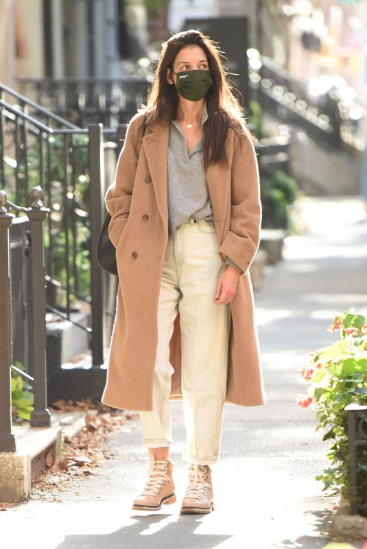 KATIE HOLMES Out for Walk in New York 10/15/2020