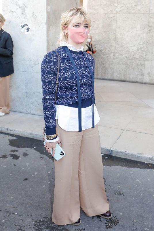 MAISIE WILLIAMS Leaves Chloe Fashion Show at PFW in Paris 10/01/2020