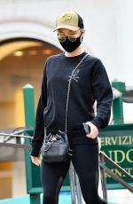 POM KLEMENTIEFF Out and About in Venice 10/26/2020