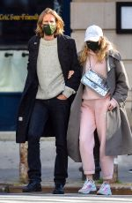 Pregnant ELSA HOSK and Tom Daly Out in New York 10/02/2020