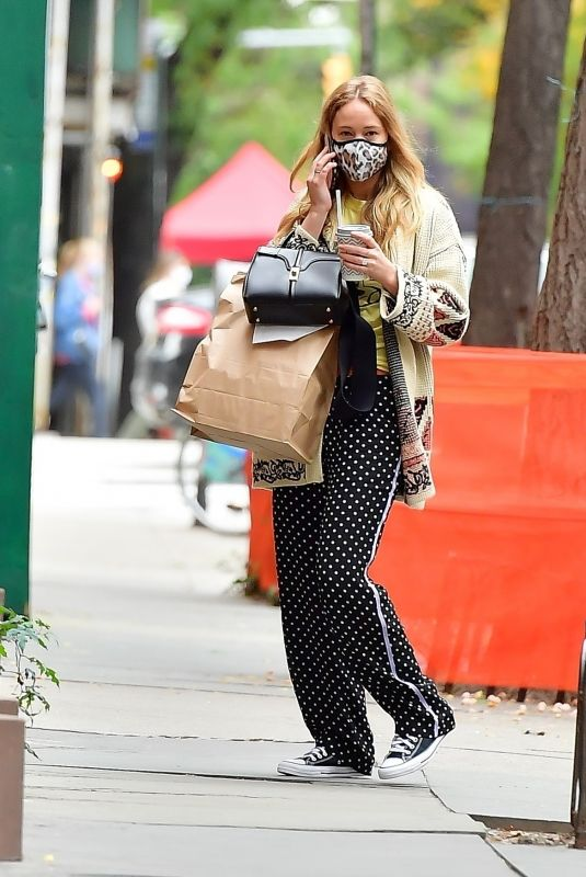 Pregnant JENNIFER LAWRENCE Out in New York 10/26/2020
