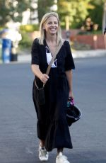 SARAH MICHELLE GELLAR Out and About in Los Angeles 10/18/2020