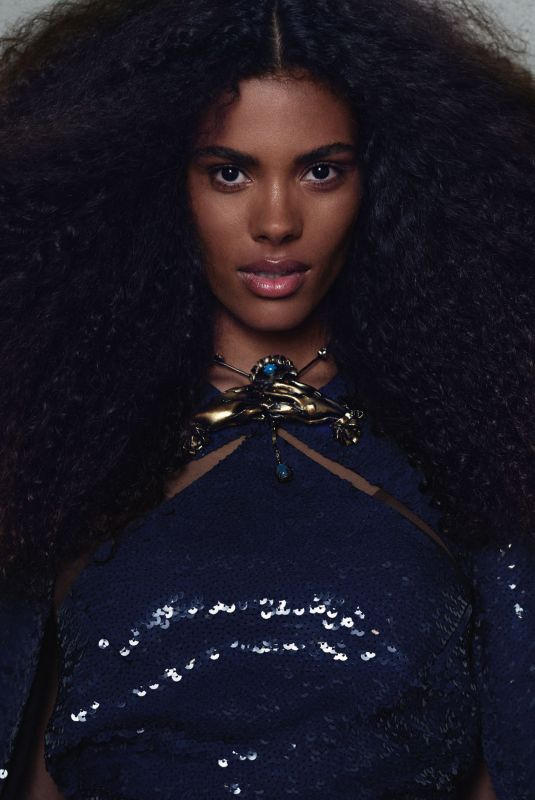 TINA KUNAKEY in L'Officiel Italy, Fall 2020