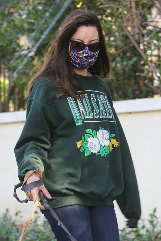 AUBREY PLAZA Out with Her Dogs in Los Angeles 11/21/2020