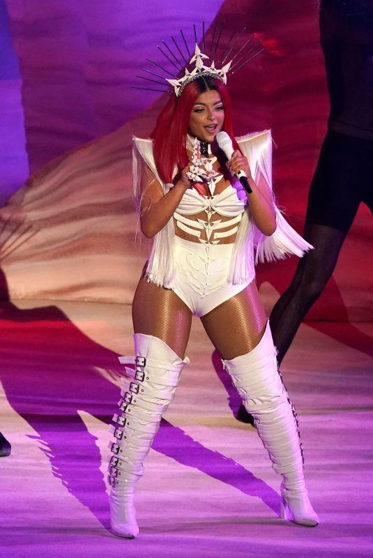 BEBE REXHA Performs at American Music Awards 11/22/2020