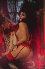 BELLA THORNE for Halloween - OnlyFans Photos 11/04/2020