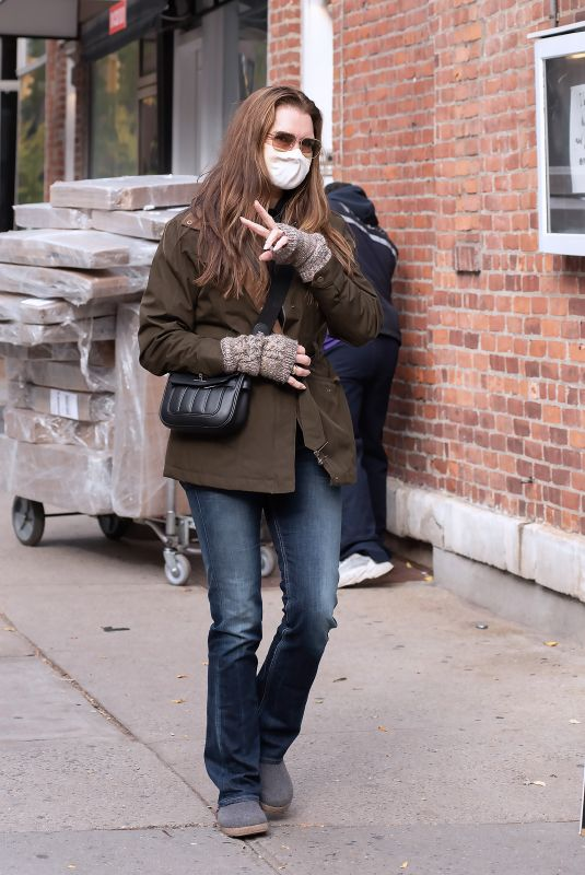 BROOKE SHIELDS Out and About in New York 11/17/2020