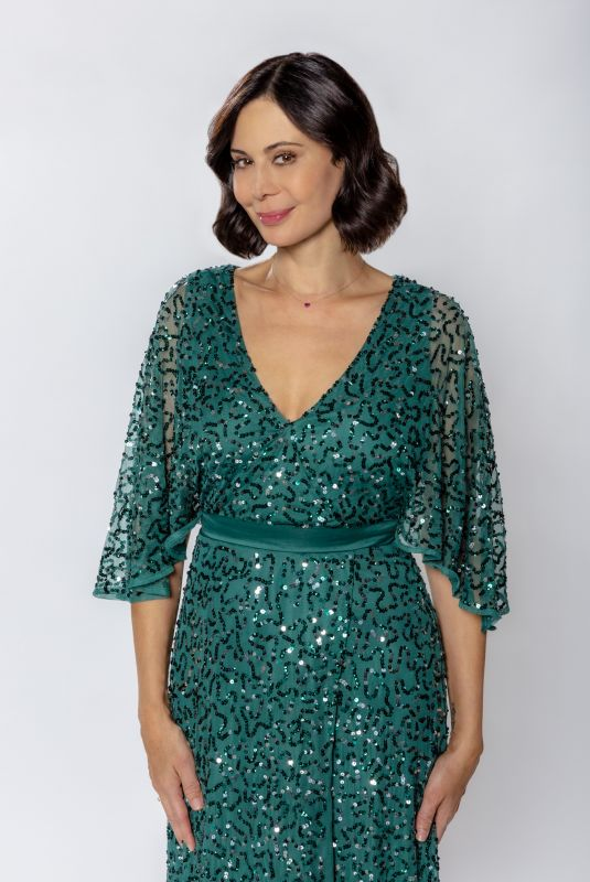 CATHERINE BELL – Meet Me at Christmas 2020 Promos
