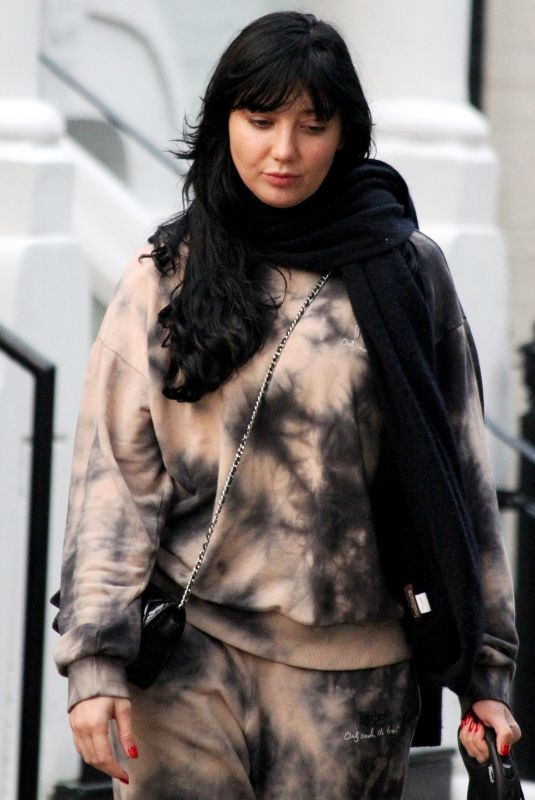 DAISY LOWE Out in Primrose Hill 10/27/2020