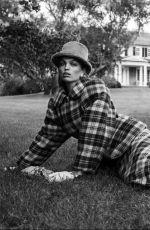 DAPHNE GROENEVELD in Harper