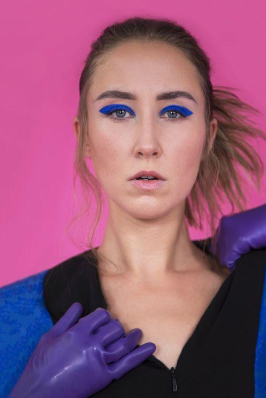 ERIN DOHERTY for Elle Magazine, UK November 2020