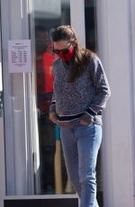 JENNIFER GARNER Out and About in Brentwood 11/22/2020