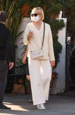 KELLY RUTHERFORD Out for Lunch in Beverly Hills 11/11/2020
