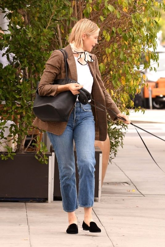 KELLY RUTHERFORD Out with Her Dog in Beverly Hills 11/05/2020