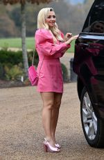 KIMBERLY HART-SIMPSON at Celebs Go Dating TV Show Reveal 11/23/2020
