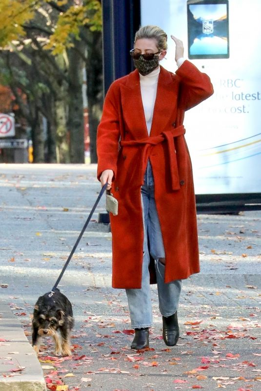 LILY REINHART Out with Her Dog in Vancouver 11/08/2020