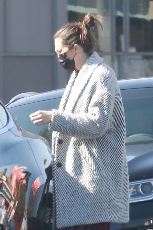 MANDY MOORE Leaves an Acupuncture Clinic in Los Angeles 11/11/2020