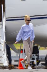 MICOLE KIDMAN Arrives at Byron Bay by a Private Plane 11/10/2020