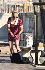 POM KLEMENTIEFF Out and About in Venice 11/09/2020