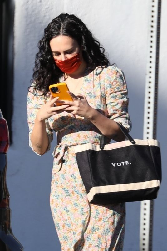 RUMER WILLIS Getting Her Nails Done in Los Angeles 11/15/2020
