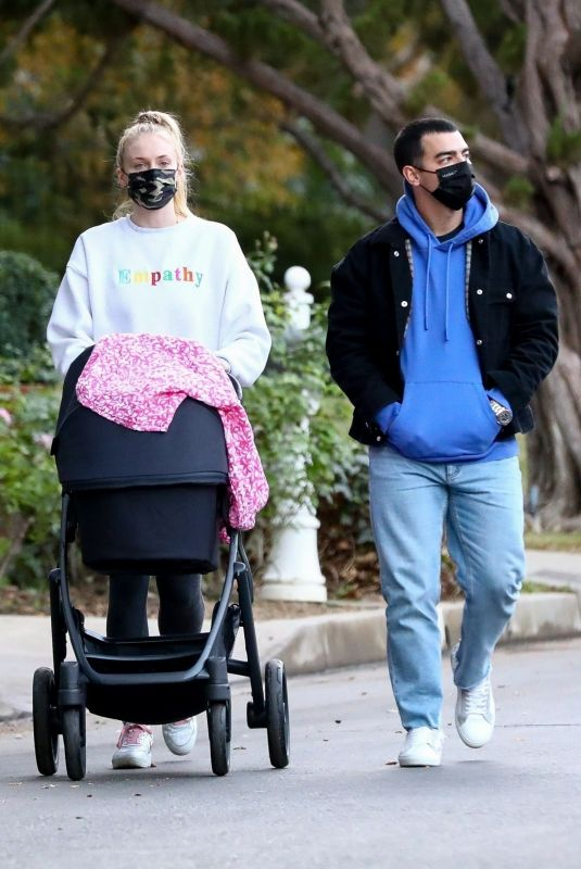 SOPHIE TURNER and Joe Jonas Out with Daughter Willa in Los Angeles 11/27/2020
