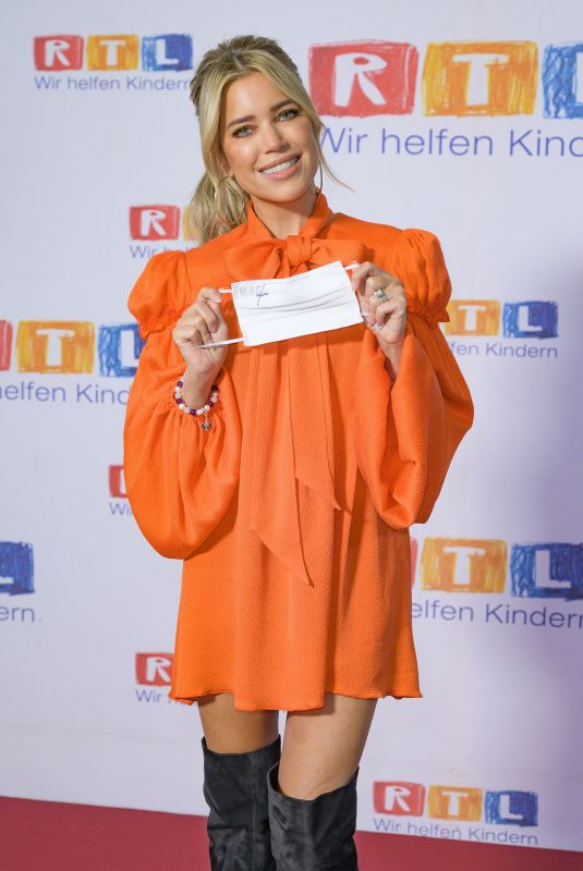 SYLVIE MEIS at 25th RTL Spendenmarathon 11/19/2020
