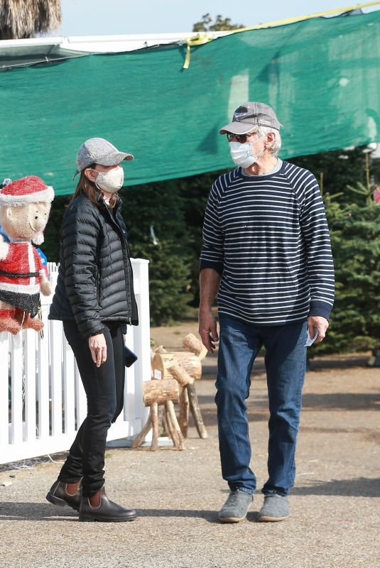 CALISTA FLOCKHART and Harrison Ford Shoping a Christmas Tree in Santa Monica 12/12/2020