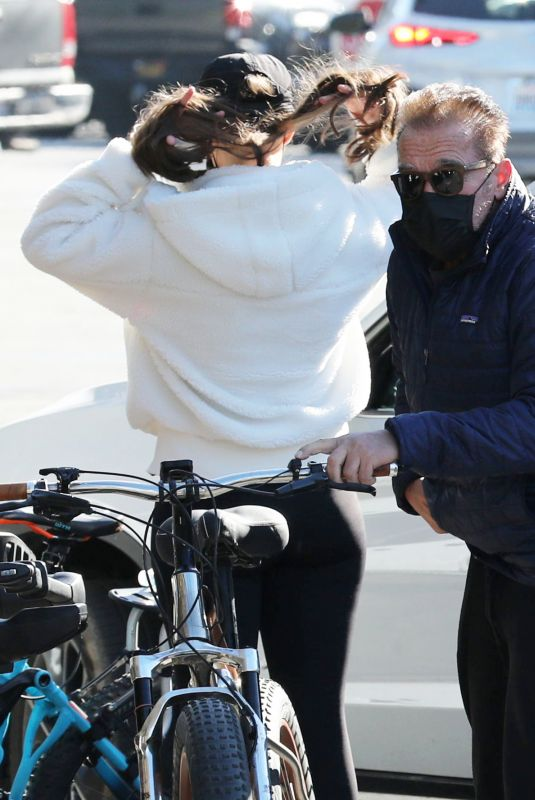 CHRISTINA and Arnold SCHWARZENEGGER Out Riding Bikes in Brentwood 12/18/2020