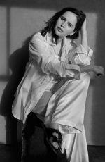 FELICITY JONES in The Sunday Times Style Magazine, Dece,ber 2020