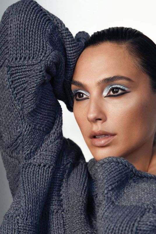 GAL GDOT for Revlon, December 2020