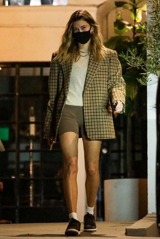 HAILEY BIEBER Leaves a Salon in Beverly Hills 12/02/2020