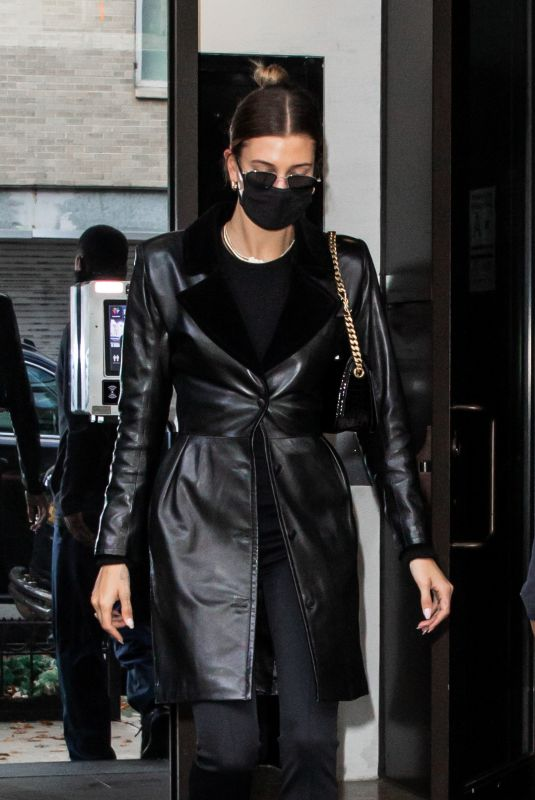 HAILEY BIEBER Leaves Her Apartment in New York 12/01/2020