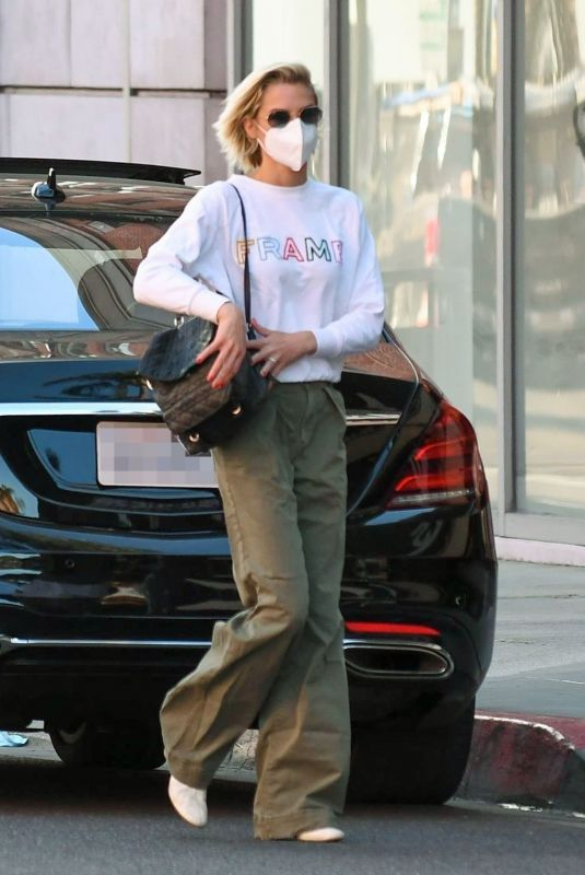 JAIME KING Wearing a Mask Out in Beverly Hills 12/09/2020