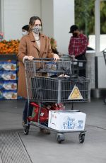 JESSICA ALBA Shopping at Bristol Farms in Beverly Hills 12/24/2020