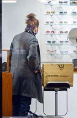 JULIANNE MOORE Shopping for Eyeglass in New York 12/03/2020
