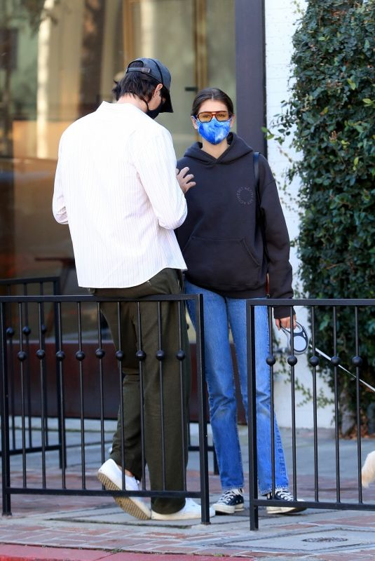 KAIA GERBER and Jacob Elordi Out in West Hollywood 12/04/2020