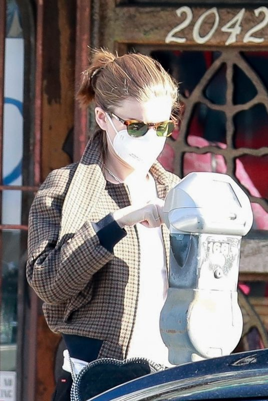 KATE MARA at Blue Bottle Cafe in Los Feliz 12/26/2020