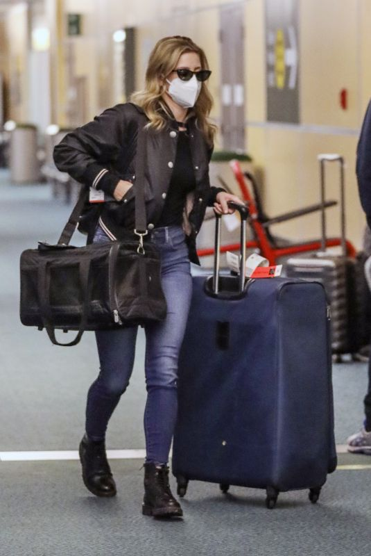 LILI REINHART Arrives at Airport in  Vancouver 12/19/2020
