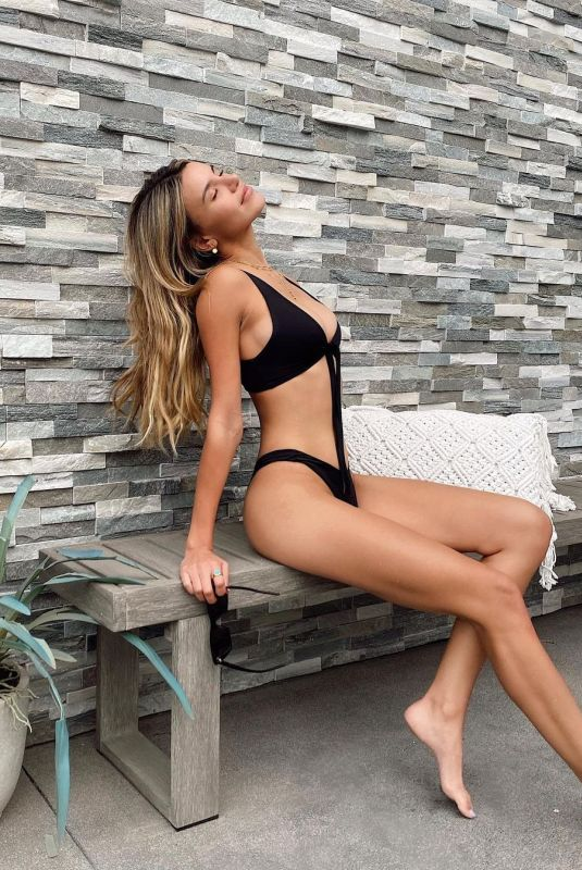 MADISON REED in Bikini - Instagram Photos 12/24/2020