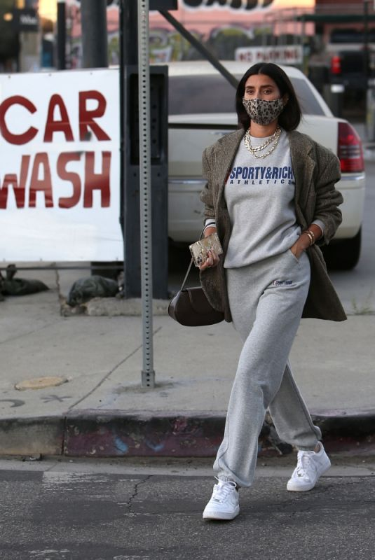 NICOLE WILLIAMS Out and About in Los Angele 12/09/2020