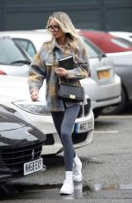 OLIVIA ATWOOD Leaves a Hair Salon in Cheshire 12/17/2020