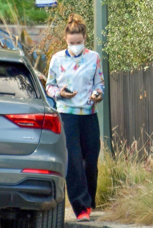 OLIVIA WILDE Outside Jason Sudeikis' House in Los Feliz 12/30/2020