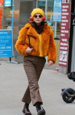 SELENA GOMEZ on the Set of Murders in the Building in New York 12/07/2020