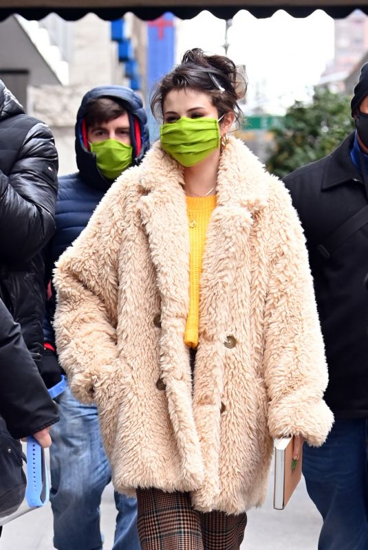 SELENA GOMEZ on the Set of Only Murders in the Building in New York 12/08/2020