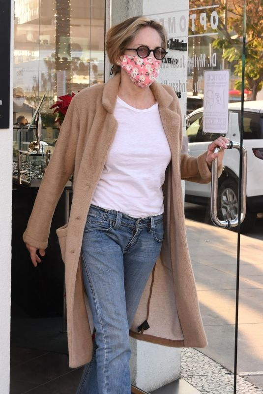 SHARON STONE Shopping for Glasses in Los Angeles 12/10/2020