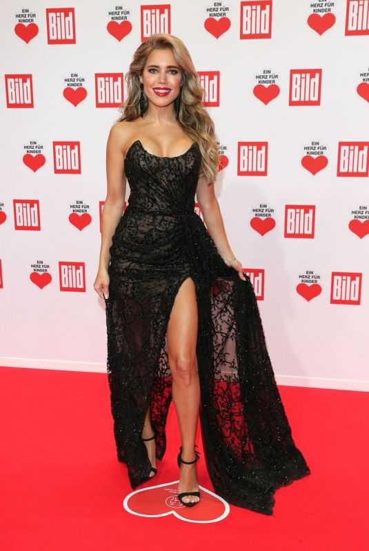 SYLVIE MEIS at A Heart for Children's Gala 12/05/2020