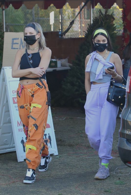 VANESSA HUDGENS and GG MAGREE Shopping for a Christmas Tree in Los Angeles 12/05/2020