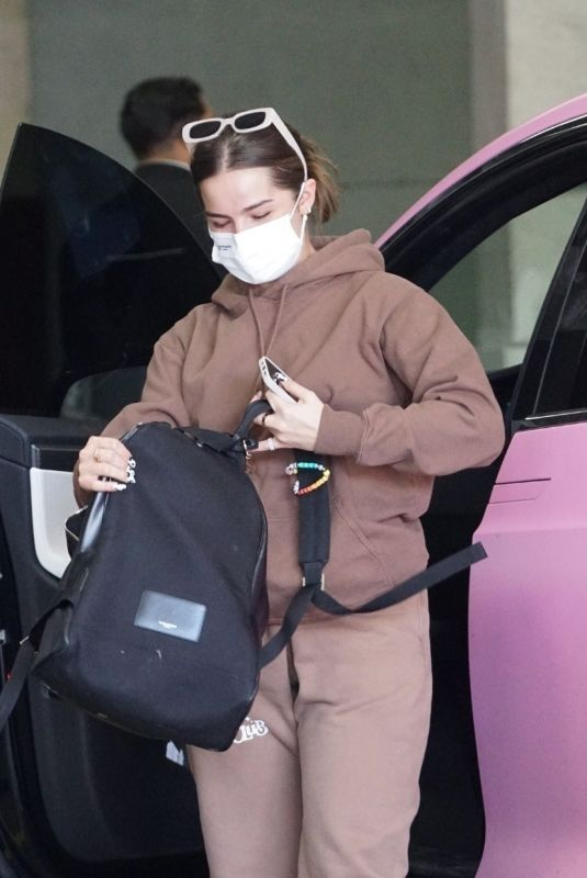 ADDISON RAE at a Doctor's Office in Beverly Hills 01/18/2021