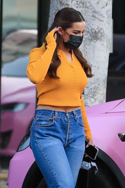 ADDISON RAE Out in Beverly Hills 01/14/2021