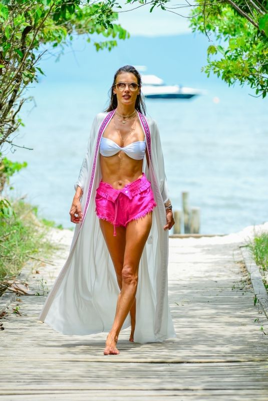 ALESSANDRA AMBROSIO Out a ta Beach in Florianopolis 01/05/2021